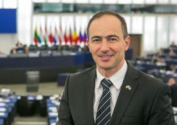 ЕП обсъди доклад за паметта за европейското тоталитарно минало