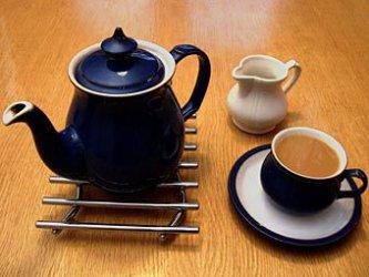 Бутилираната вода извлича повече полезни съставки от зеления чай