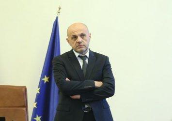 Дончев не изключва руски хибридни атаки за евроизборите