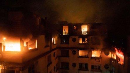Десет жертви при вероятно умишлен пожар в жилищна сграда в Париж