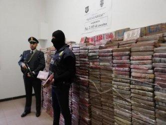 Над 2 тона кокаин заловени в Италия