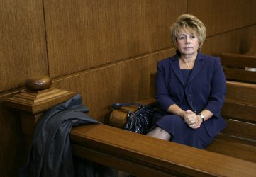 Масларова осъди държавата заради коментари на прокуратурата и ГЕРБ