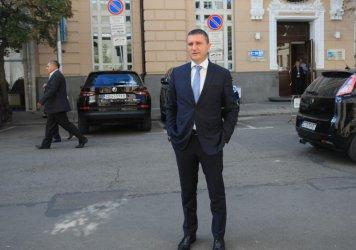 """""""Антикорупция"""" остави на Горанов и апартамента, и министерството"""