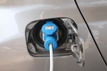 Ще се търсят евросубсидии за електромобили за домакинствата
