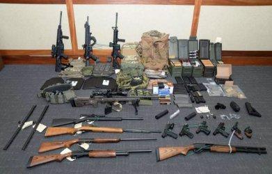 Лейтенант от бреговата охрана на САЩ, подготвял терористично нападение