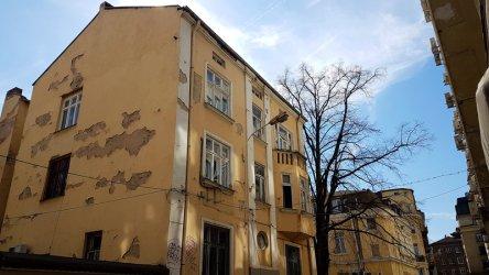 Фандъкова иска връщане статута на архитектурния паметник, готвен за офис сграда