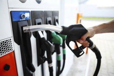 Разбивката на цената в касовите бележки за бензина се отлага за 1 октомври