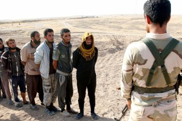 """Заплахата от """"Ислямска държава"""" остава въпреки разгрома й в Сирия"""