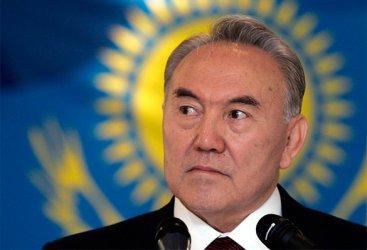 И след оставката си Назарбаев ще контролира Казахстан, докато е жив