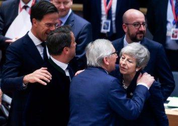 ЕС: Отлагане на Брекзит само при гласувана от парламента сделка и само до 22 май