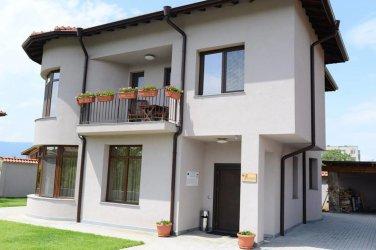 ЕК е глобила България с 13 млн. евро за къщите за гости