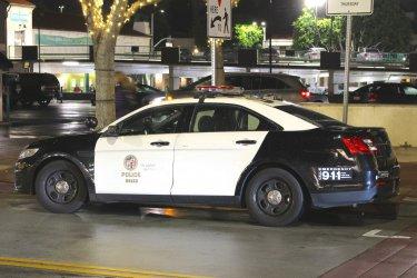 Един убит и трима ранени при стрелба в синагога в Калифорния