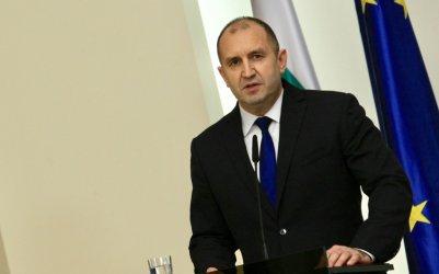 Радев: Заплахата за демокрацията не идва от армията