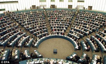 Британските избиратели ще подсилят евроскептичните групи в Европейски парламент
