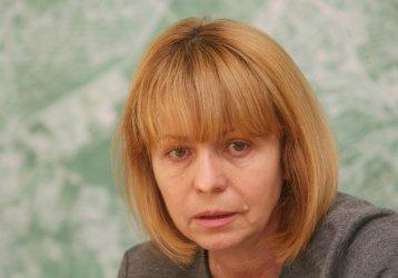 Фандъкова отрича, но проверява покупката на пейки по 10 хил. лева