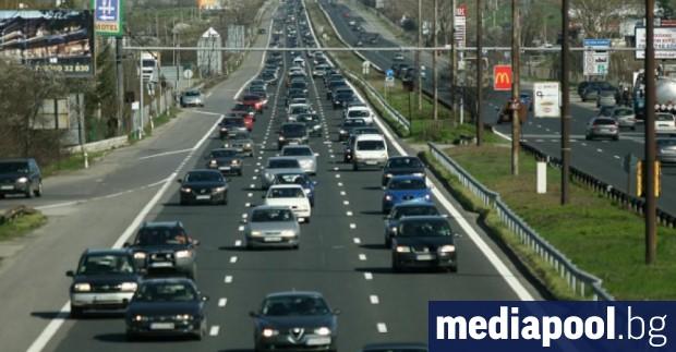 Снимка: От лятото шофьорите у нас ще могат да печелят пари от реклама върху автомобила си