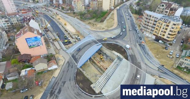 Снимка: Елипсовидно кръгово и бетон в повече - ефектите на най-новия варненски булевард