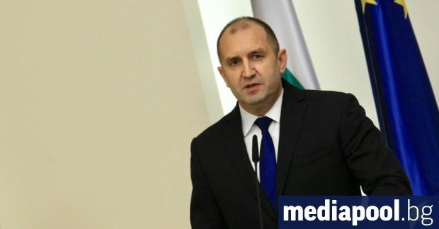 Снимка: Радев: Заплахата за демокрацията не идва от армията