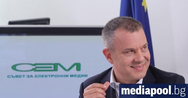 Програмният директор на Българската национална телевизия (БНТ) Емил Кошлуков ще