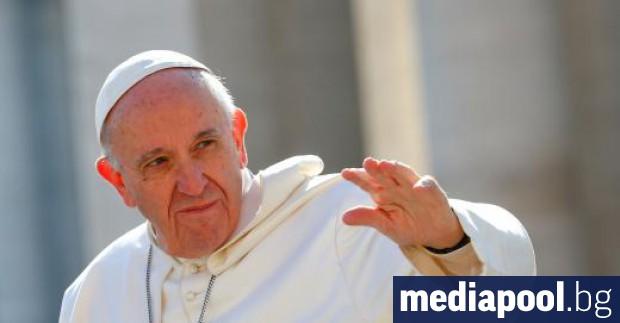 Главата на Римокатолическата църква пристига в неделя на знаково посещение