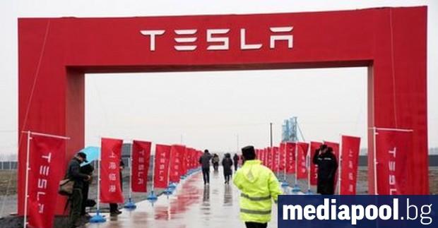 Снимка: Тесла пуска на пазара в САЩ такси без шофьор