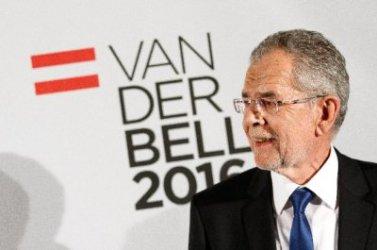 Австрийският президент назначава председателката на Конституционния съд за временен канцлер