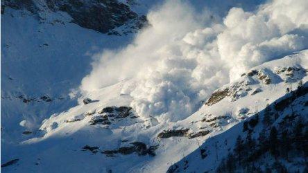 Седем руски туристи затрупани от лавина в Сибир