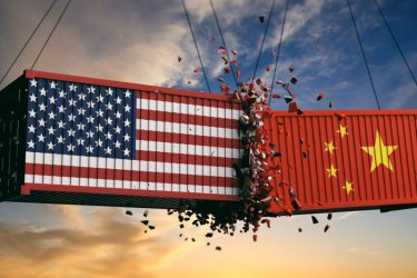 """Европейците """"са между два огъня"""" в търговската война Китай-САЩ"""