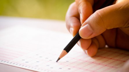 Образователното министерство не откри грешка в матурата по английски