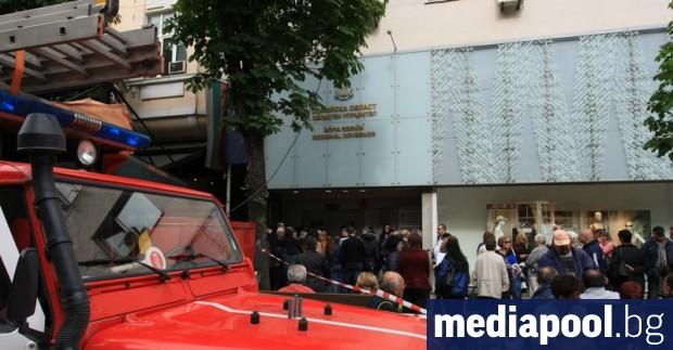 Предаването на протоколите от провелите се в неделя евроизбори отново