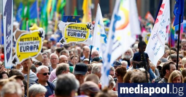 Седмица преди европейските избори, хиляди хора в Германия излязоха да