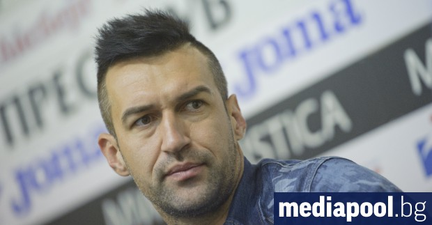 Футболистът Мартин Камбуров е с обвинения в хулиганство и повреждане