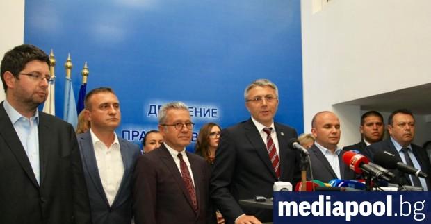 Председателят на ДПС Мустафа Карадайъ се отказва от евродепутатското си