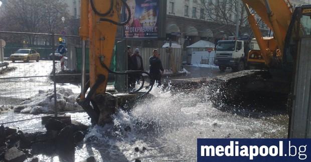 Спукана тръба остави без вода част от кварталите