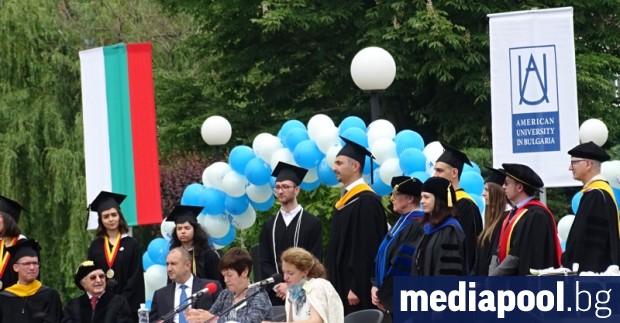 Президентът Румен Радев бе гост на церемонията по дипломирането на