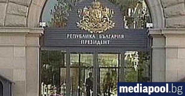 Ден след изборната победа на ГЕРБ, президентът Румен Радев блокира