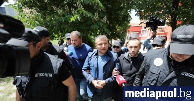 Спецпрокуратурата и антикорупционната комисия (КПКОНПИ) организираха показен арест на кмета