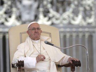 Папата изрази съжаление, че с бедните се отнасят като с отпадъци