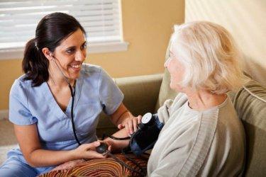 Могат ли чужденците да запълнят недостига на здравен персонал в Германия?