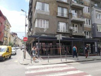 Пореден случай на заведение, завзело тротоар в София