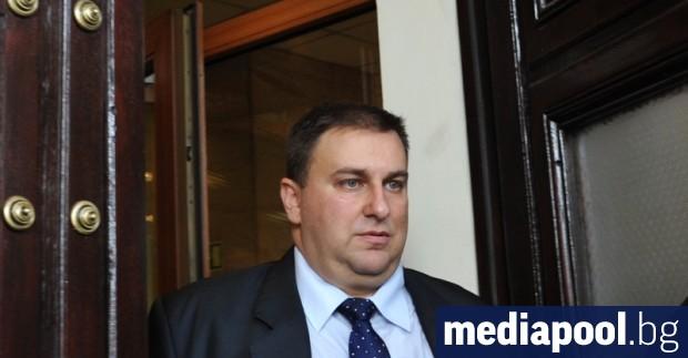 Централната избирателна комисия реши Емил Радев да бъде член на