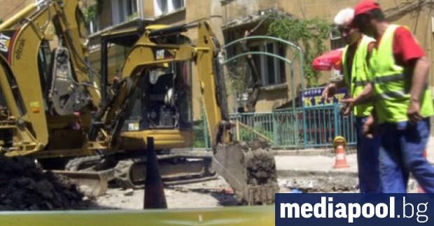 Течовете на питейна вода в София са намалели с 12