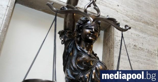 Служители на консулската служба на България в Холандия ще следят