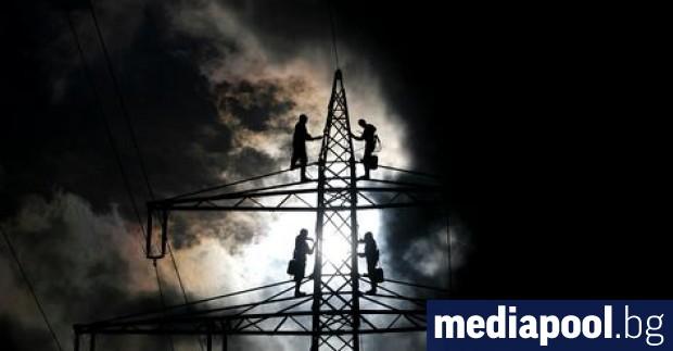 От девет месеца енергийният министър Теменужка Петкова говори, че се