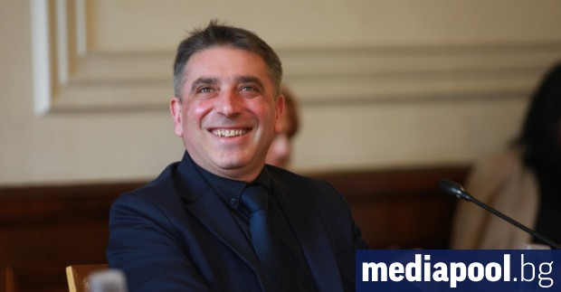 Правосъдният министър Данаил Кирилов обяви, че не може кандидатът за