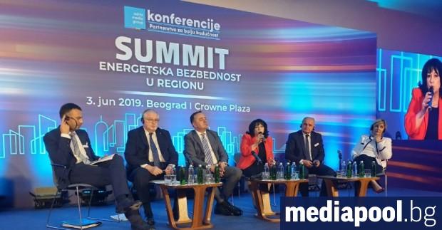 Българският енергиен министър Теменужка Петкова смята, че проектът за АЕЦ