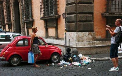 Проблемът с боклука в Рим води до рискове за здравето