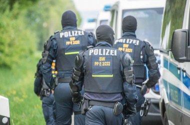 Полицията в Кьолн задържа шестима и обяви, че е предотвратила потенциален атентат