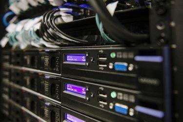 Едни експерти виждат голяма драма в кибератаката, други – не