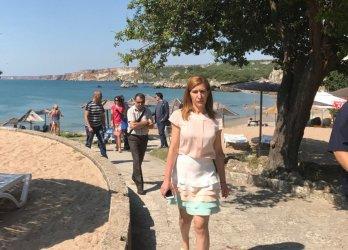 Ангелкова си върна контрола върху плажните концесии